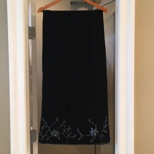 Accessories - Luxurious black velvet & satin evening shawl/wrap